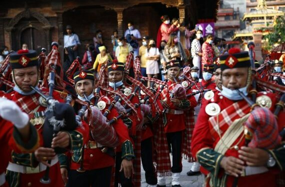 """A Nepalese army band performs on """"Fulpati"""", the seventh day of the Dashain festival, during the biggest Hindu festival Dashain in Kathmandu, Nepal on Oct. 12, 2021. (Xinhua/Sulav Shrestha)"""